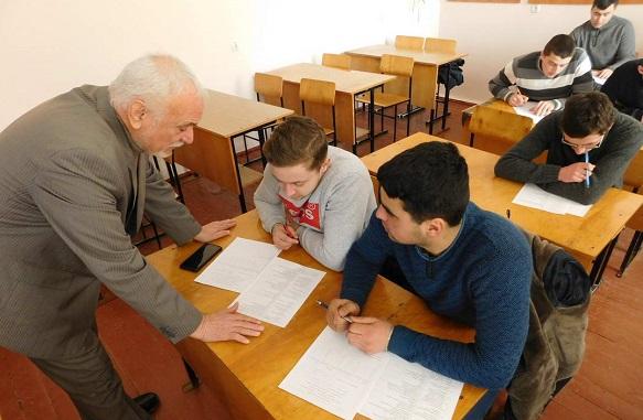 Борщівський агроколедж «трусили» професори зі Львова і Одеси